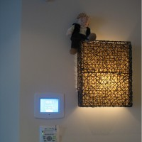 Панель управления «Умным домом» в интерьере
